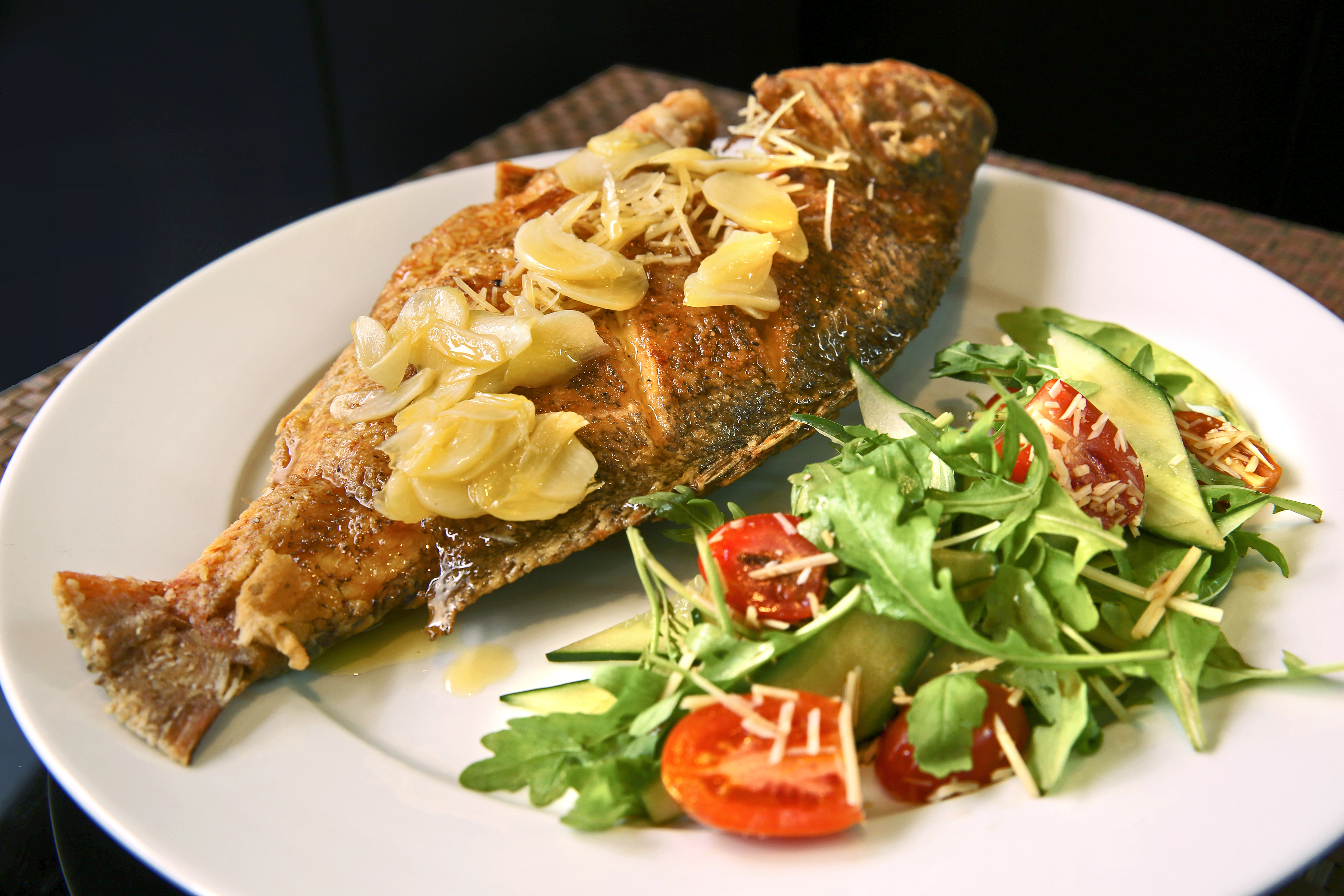 Fish with lemon garlic butter sauce spice queen for Garlic sauce for fish